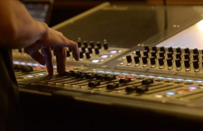 How to set up gain mic levels for live sound